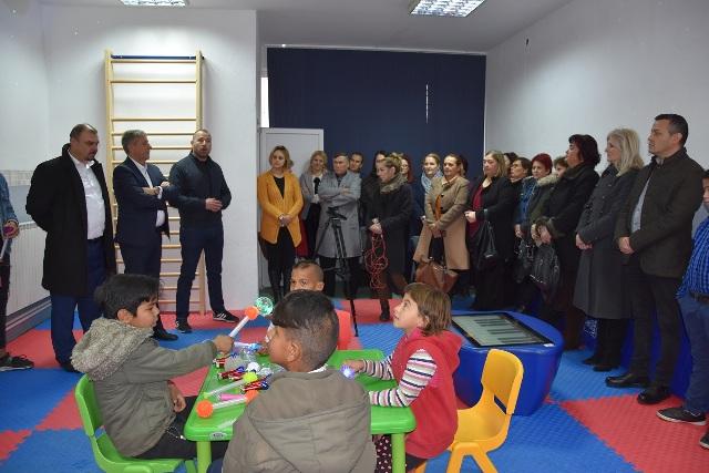 """Во ОУ """"Малина Попиванова"""" пуштена во употреба сензорна соба за ученици со пречки во развојот"""