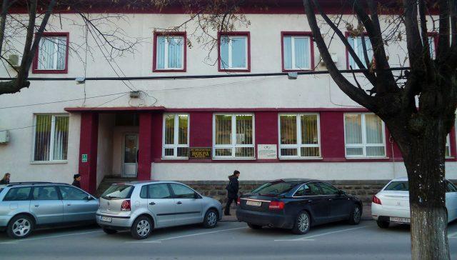 """Во Библиотека """"Искра"""" изложба и литературни  средби за најмладите"""