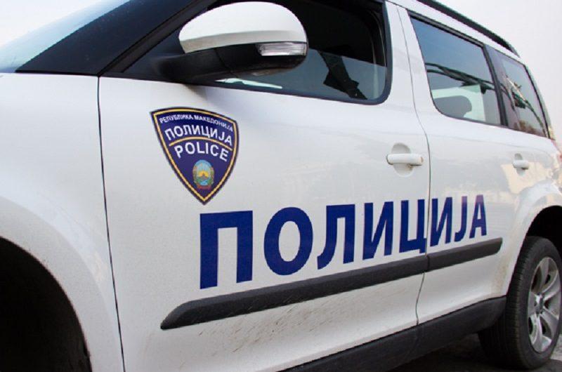 Во Кочани маж нападнал двајца малолетници, а потоа со метална цевка им се заканувал и на полицајци
