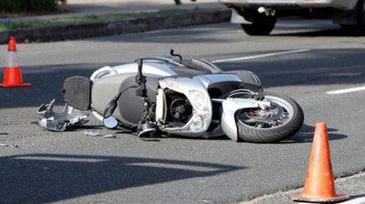 Моторциклист излетал од патот на влезот во Зрновци