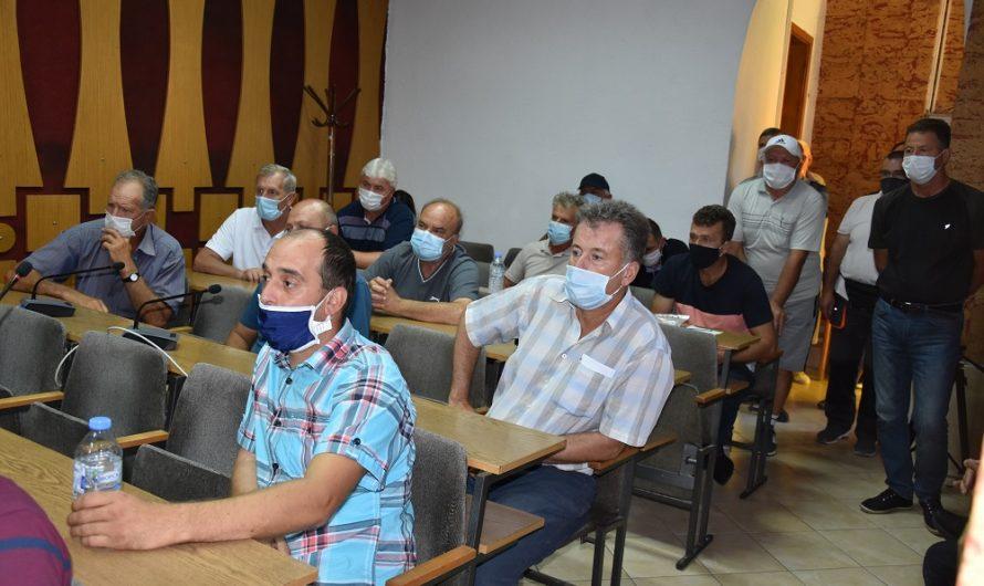 Оштетените од невремето на средба со градоначалникот Илијев