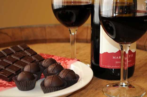 Овошјето, виното и чоколадото може да помогнат за понизок крвен притисок