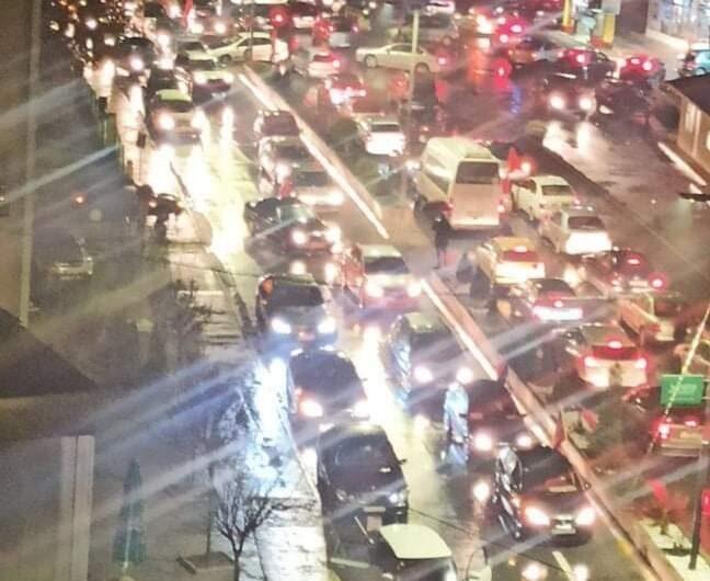 Протест со возила на ОК на ВМРО-ДПМНЕ – Кочани, се бара оставка на премиерот Заев