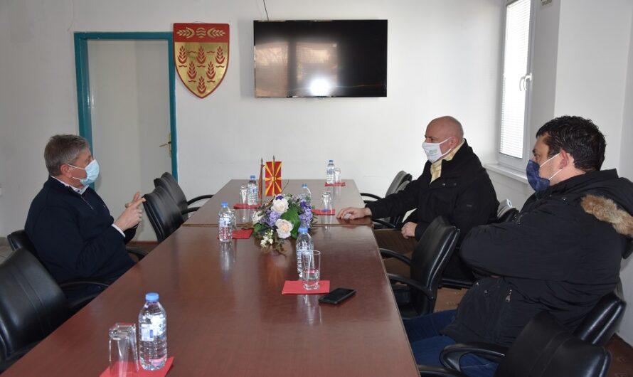 Работна средба на Илијев и Мојсоски – можности за изградба на нови спортски објекти во Кочани