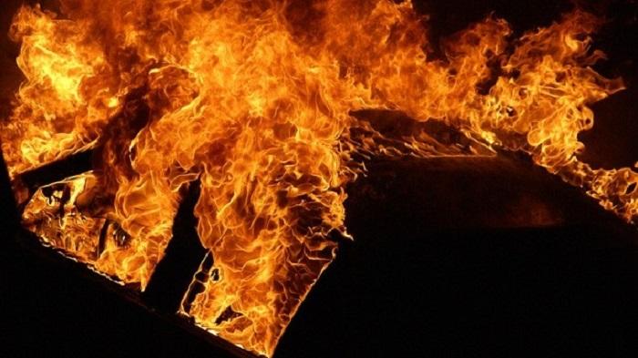 Опожарено патничко возило во Кочани