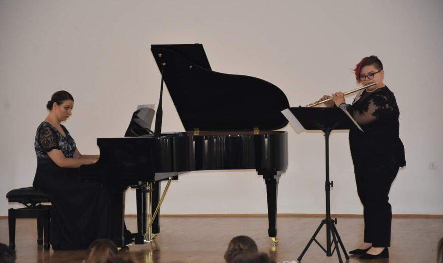 Илиева и Лазарова со Концерт на пијано и флејта во Кочани