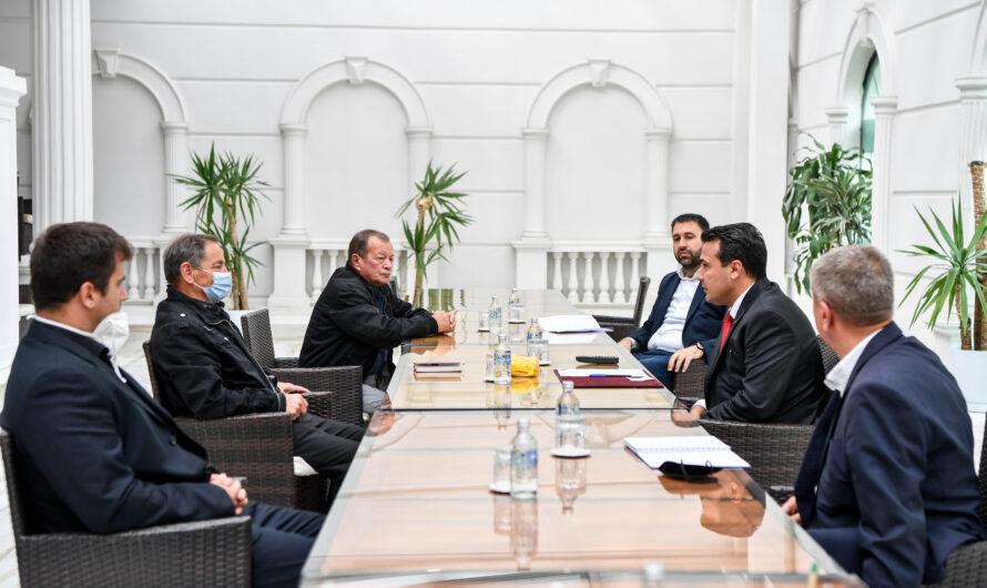 Премиерот Заев и министерот Хоџа на средба со претставници на оризопроизводителите од Кочанско