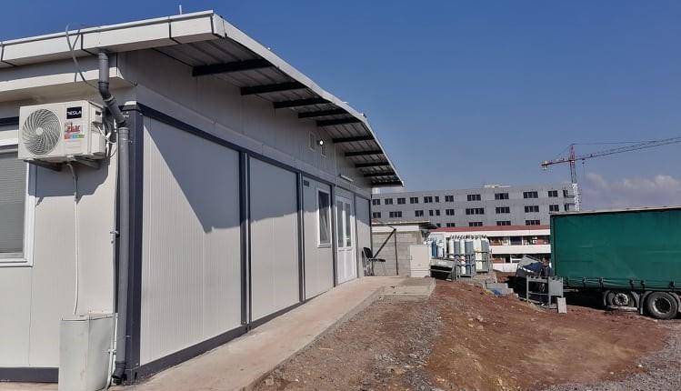 Пациент од Кочани избегал од модуларната болница во Штип