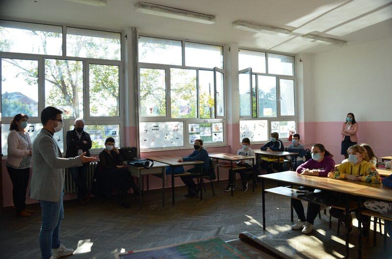 Музичката младина на Македонија спроведе работилница за популаризација на класичната музика и пијаното како музички инструмент