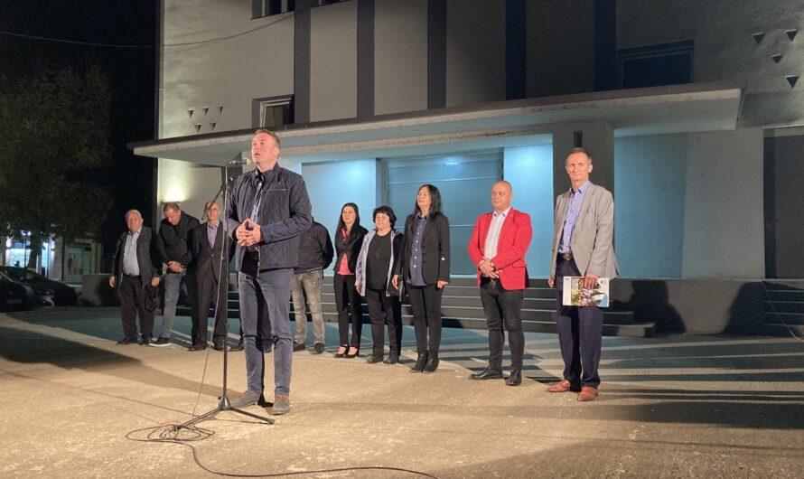 """Движењето """"Одлучно за промени"""" на ЛДП и ДОМ одржа трибина во Кочани"""